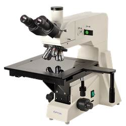 Microscópio Metalográfico Trinocular com Aumento de 50x Até 800x, Objetivas Planacromática e Iluminação 20W. - TNM-07Y-PL